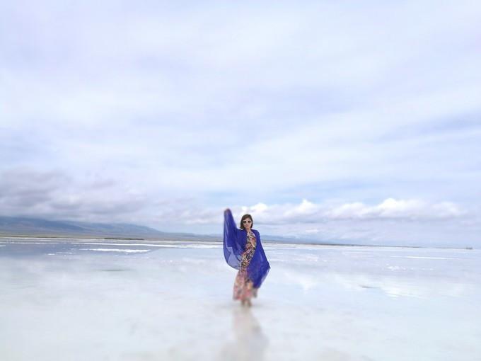 青海湖拍照姿势