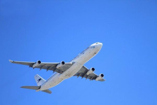 飞机顺利按时起飞