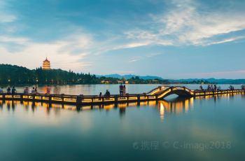 【携程周边】杭州西湖攻略住宿,西湖附近攻略北京动物园海洋馆一日游酒店图片