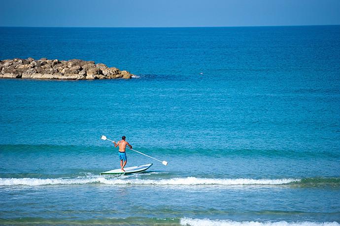 各种海上v帆板如帆板,帆船,看到,皮划艇冲浪,在这里都等等.IG电子竞技APP图片