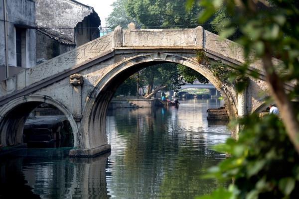 """黄酒小镇还是著名的""""桥乡"""",境内江河纵横,湖泊星罗棋布,村庄,田野被图片"""