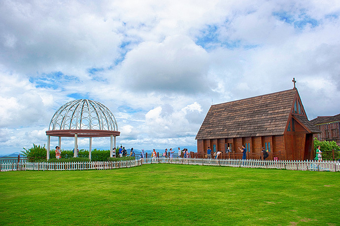 """""""婚礼教堂"""",这是三亚最高的教堂,拥有欧式山盟亭和木制山顶教堂,浪漫"""