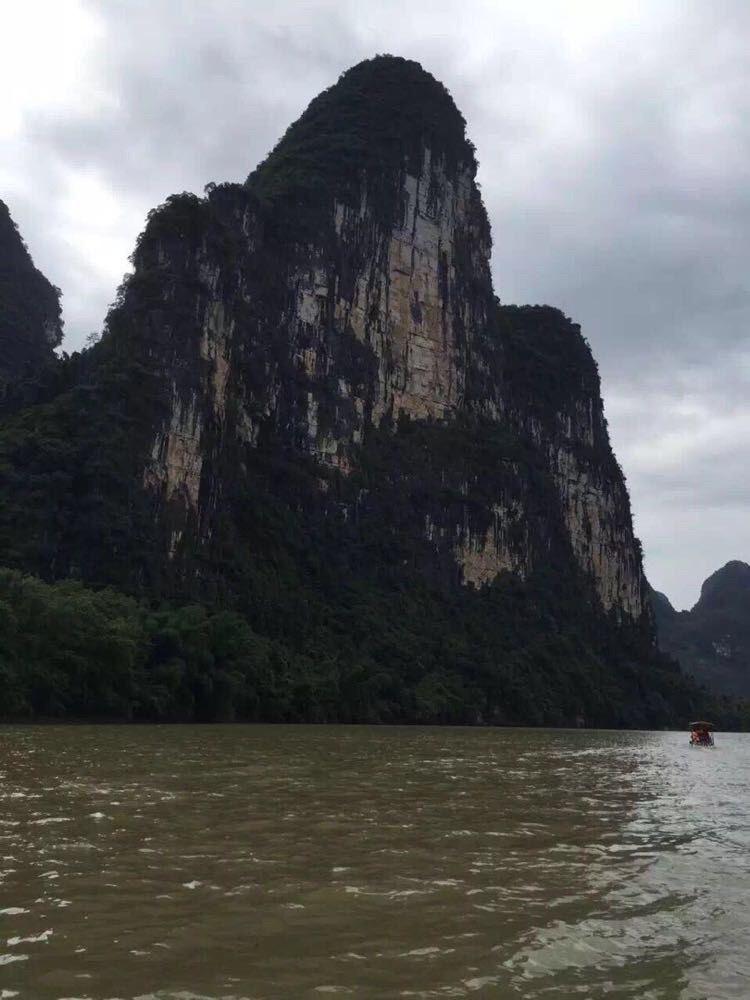 游漓江 赏桂林山水甲天下