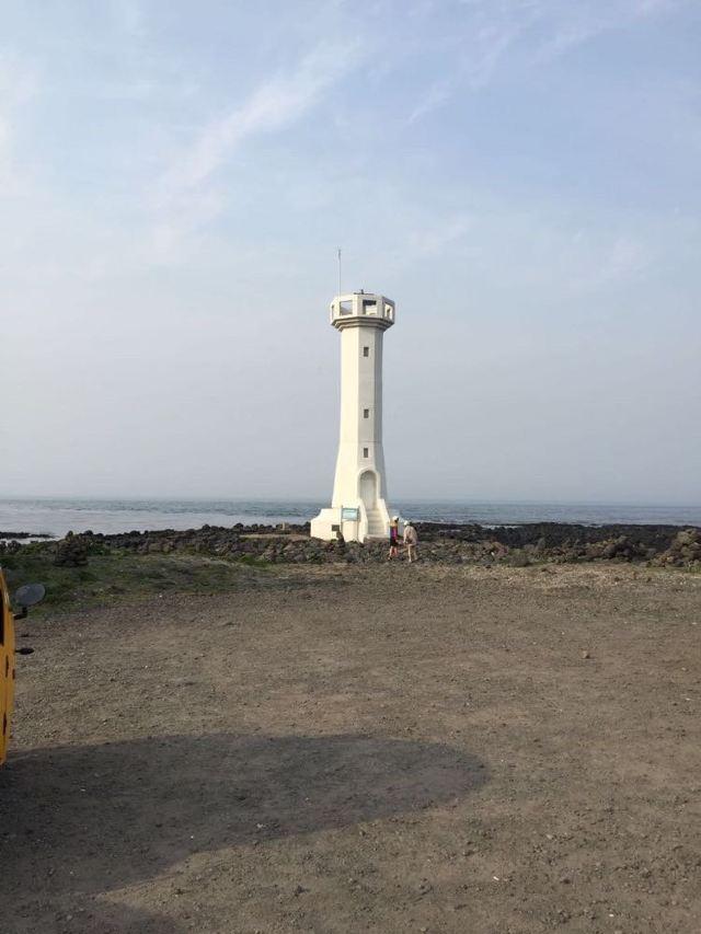 牛岛上的灯塔