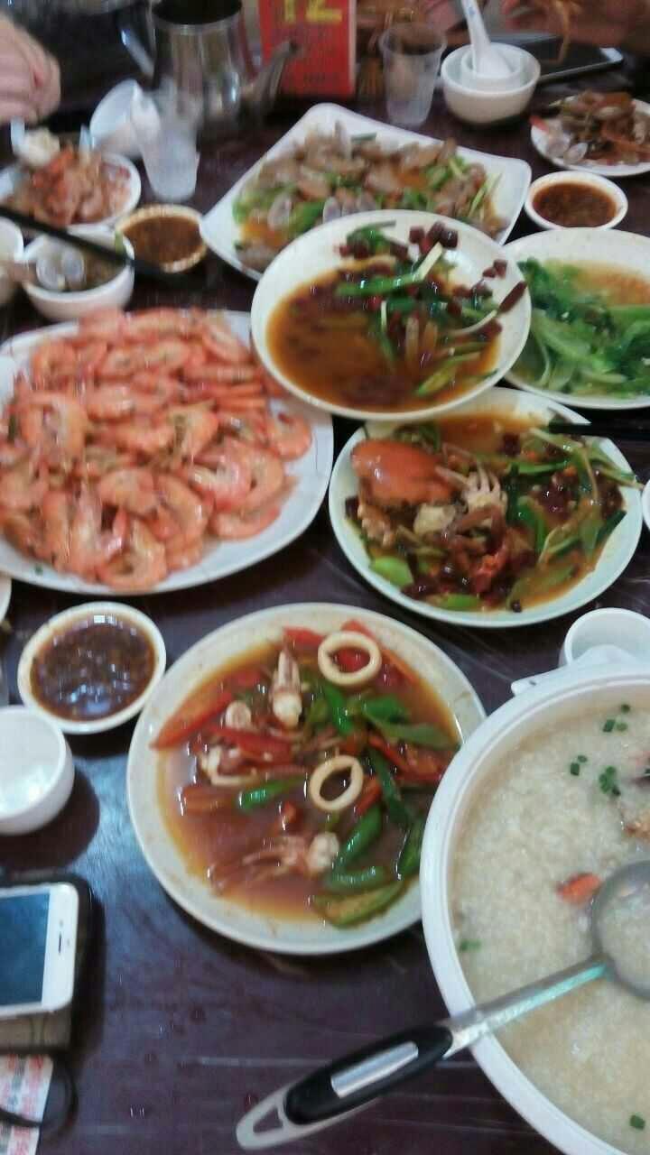 海南三亚兄弟自由行,畅吃海鲜大餐