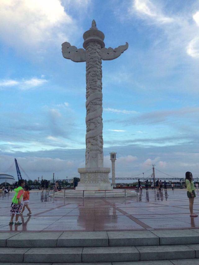 大连星海华表广场1997年为纪念香港回归所修建