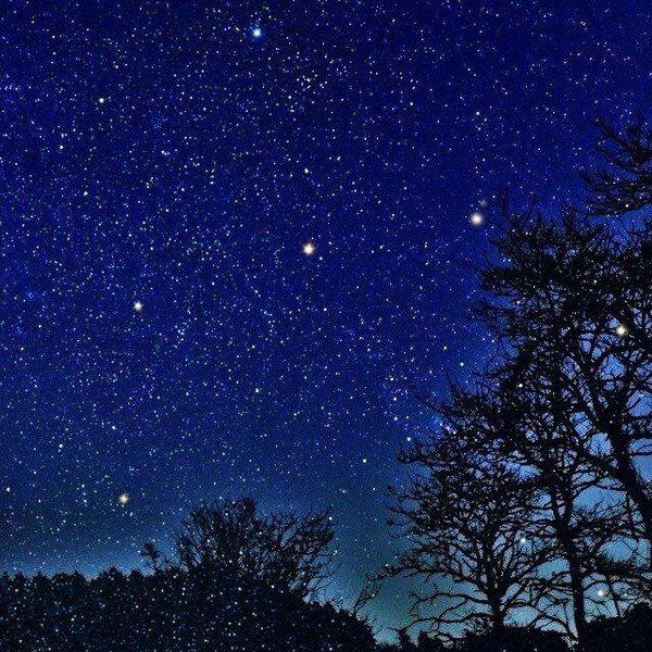 听着五月天的星空,不禁感慨万千,作为一个对于旅游的痴迷败家子来说
