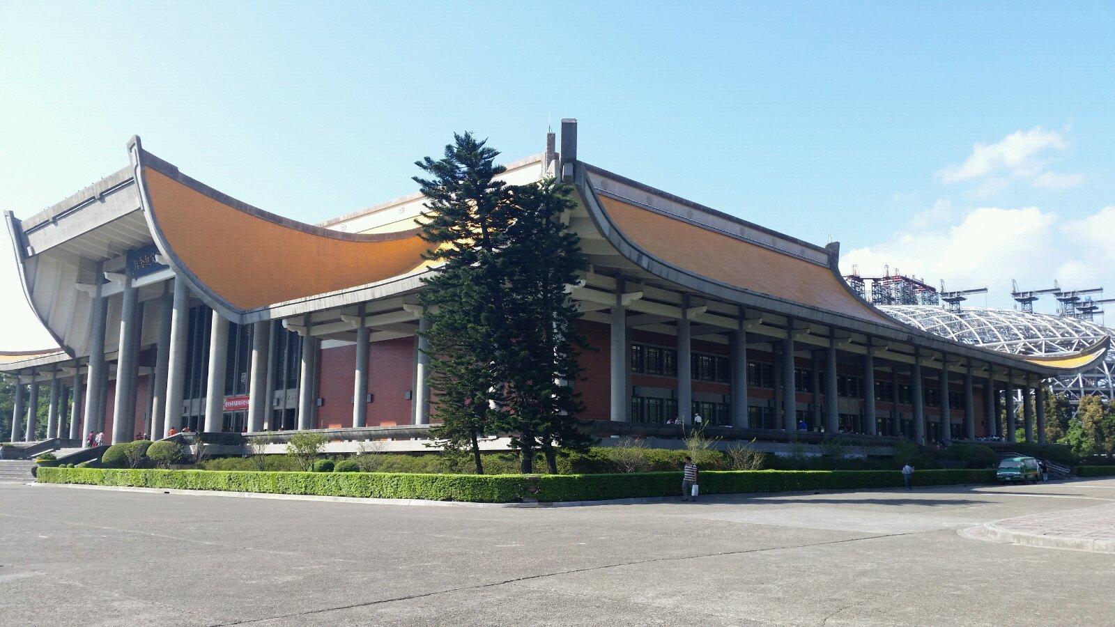 以中国唐朝宫殿式为风格,古风浓郁.