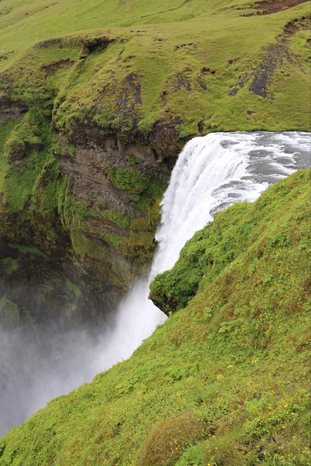 森林瀑布是冰岛最大的瀑布之一