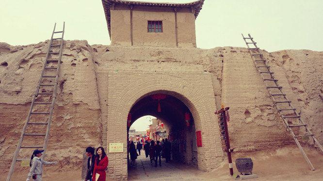 宁夏银川+兰州+西宁+青海湖+塔尔寺9日8晚跟团游·游