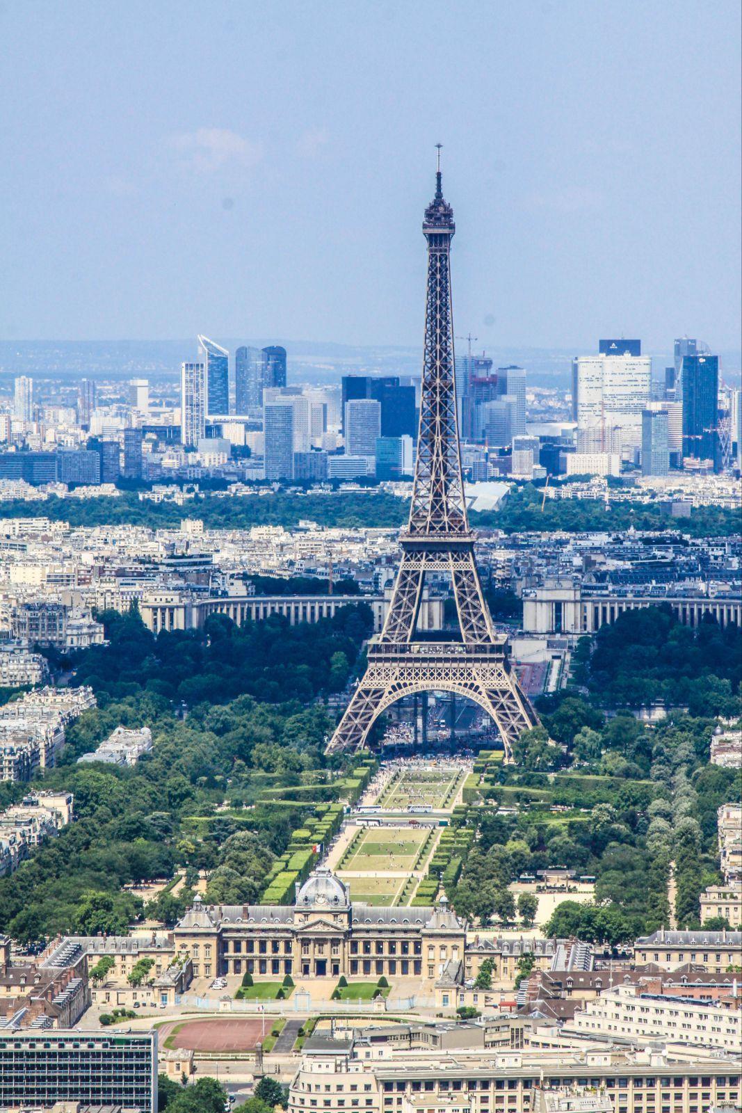 法国埃菲尔铁塔墙围栏图片
