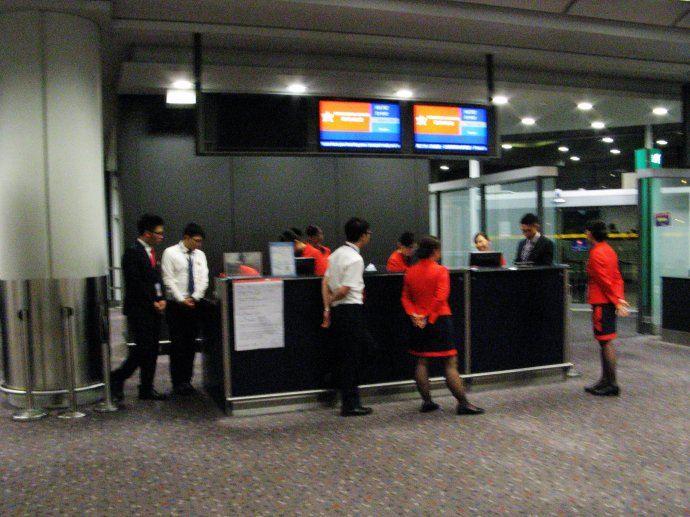【泰国之旅】香港机场转机遇故障