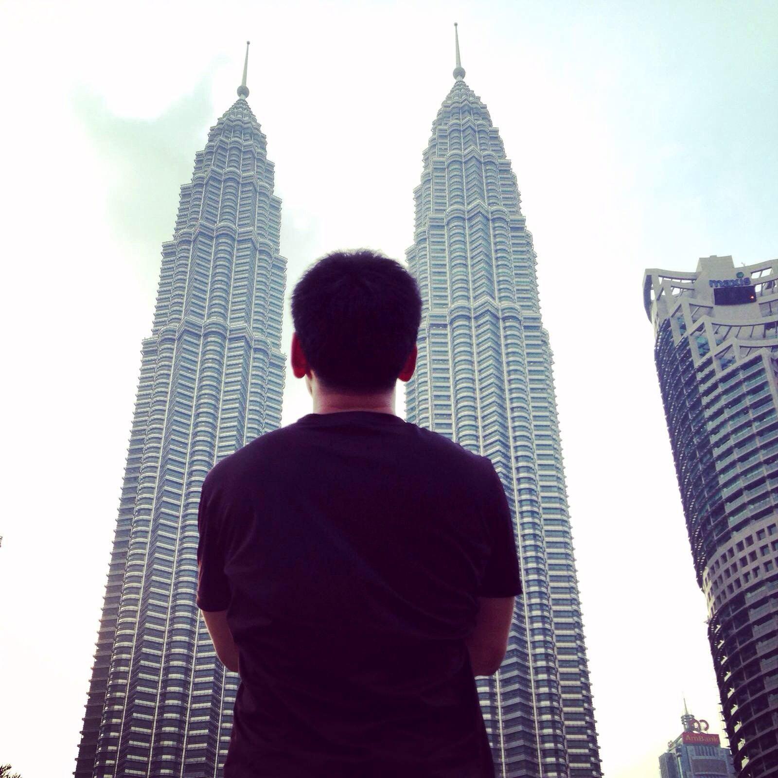 吉隆坡双子塔 等了两个小时只为灯亮起的那一刻