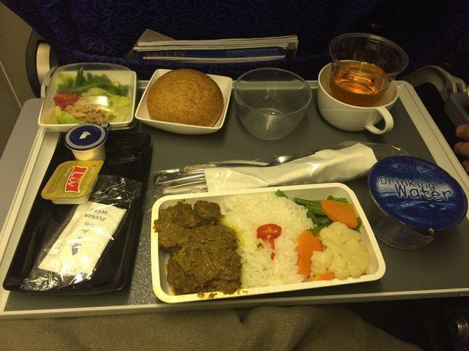 新航的飞机餐