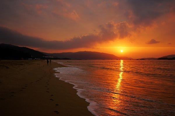 老婆说了,人家去三亚都是度假的,跟你去自驾了两次海南岛,每次都是