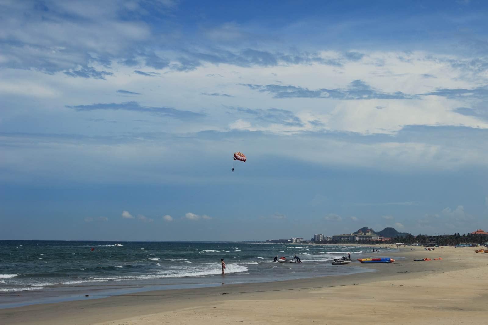 游記/这个降落伞,我也玩了一把,不错,700千越南盾。是摩托艇带的...