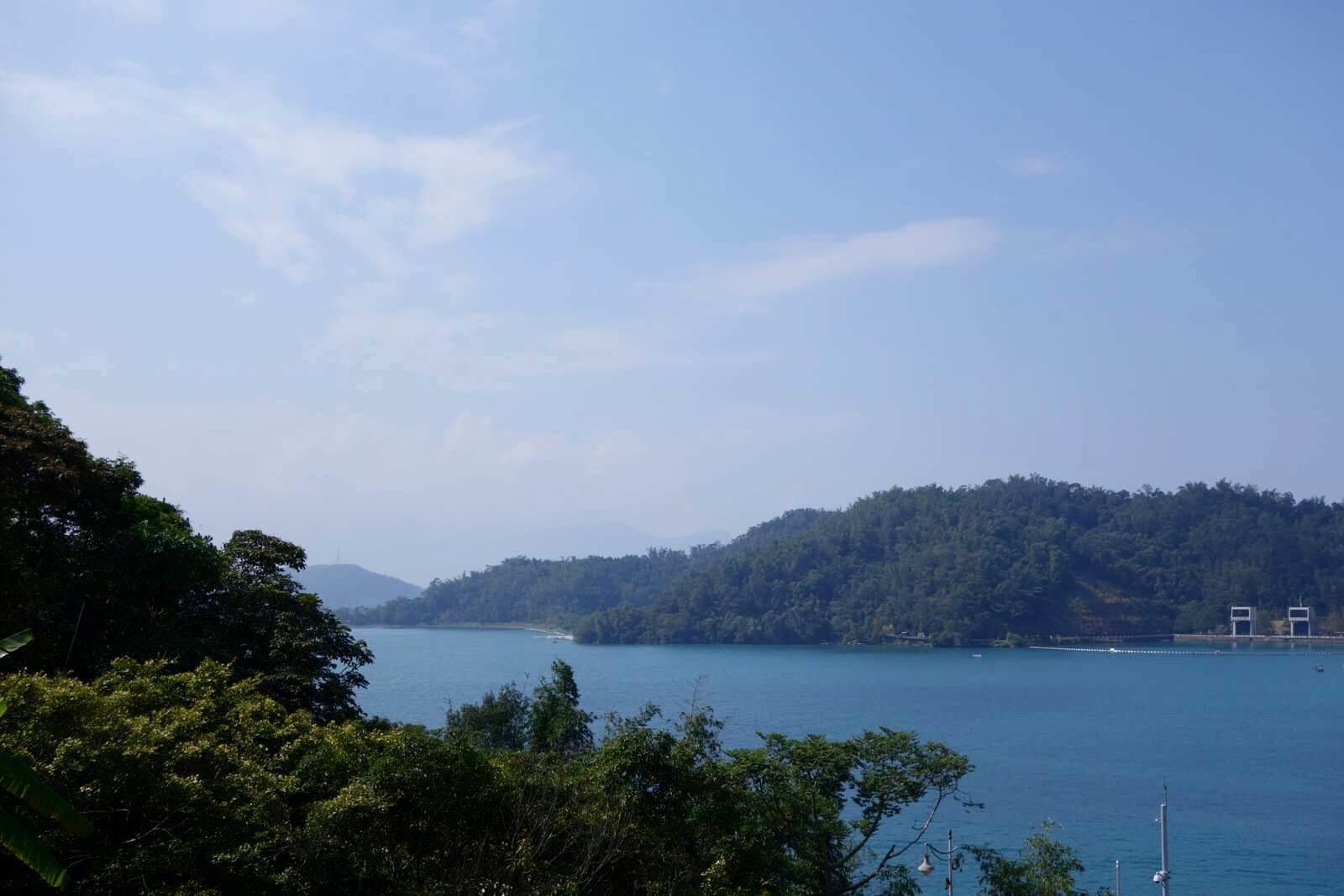 日月潭,这个打小就从小学小学上了解到的台湾风景名胜,大陆课本必去中心升平游客图片