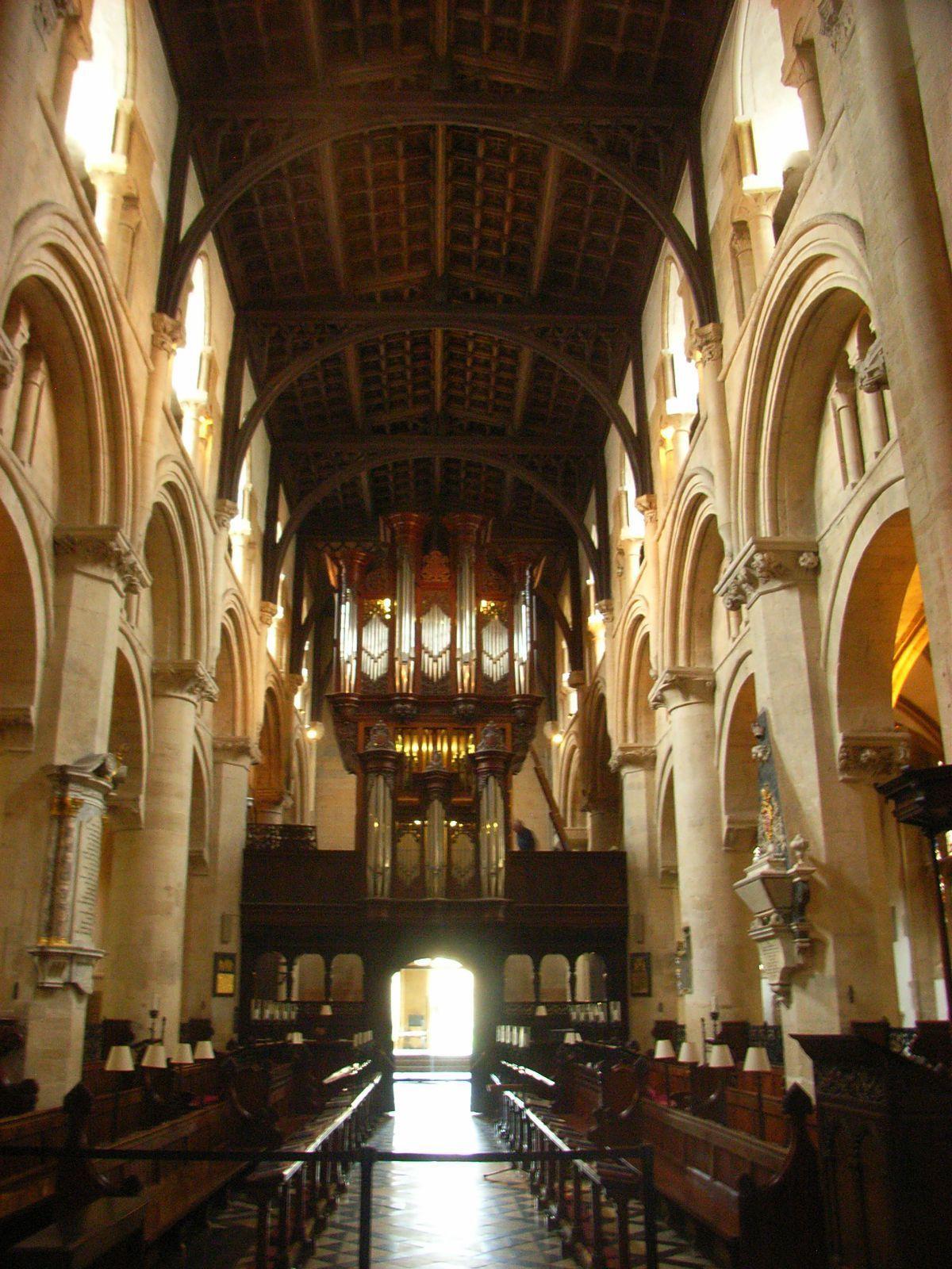 这个教堂还有管风琴!好豪华高端洋气