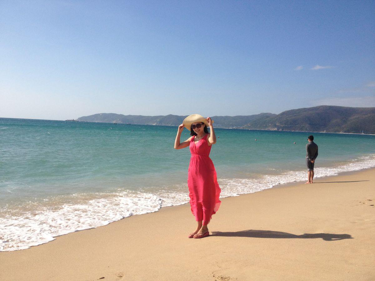 亚龙湾最细软的沙滩在红树林酒店前面