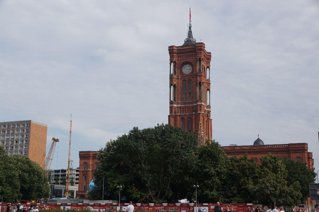 柏林电视塔 塔身上边是118米高的电视天线