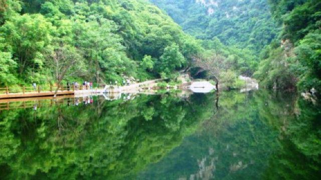 1分 (81条点评) 24 少华山景区,位于渭南市华县县城东南约7公里处,因