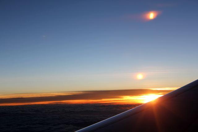 飞机上看到的美丽日落
