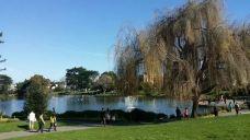 潮汐湖-华盛顿-轻快的行走脚步