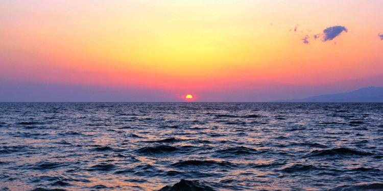 天堂海滩图片