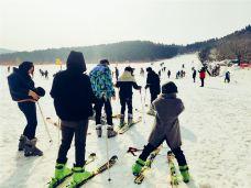 泰西雪山峪滑雪场-肥城-AIian