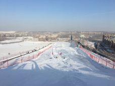 维斯特滑雪场-乌鲁木齐-AIian