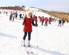 沁园春滑雪(草)场-日照-是条胳膊