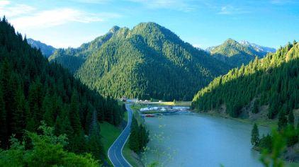 天山大峡谷景区-照壁山