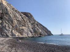 卡马利黑沙滩-圣托里尼-咖啡渣