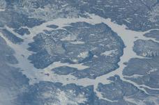 曼尼古根陨石坑-魁北克省-在路上的Jorick