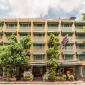 曼谷新暹羅河邊旅舍