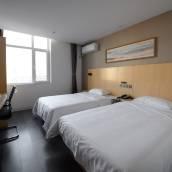 九格玥程酒店(錦州泰景山城店)