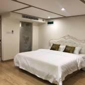 青島皇冠LOFT度假公寓