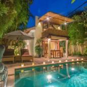 巴厘島水明漾花語別墅
