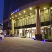 利雅得迪爾諾富特套房酒店
