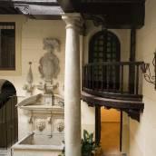 皮內達馬里亞納宮酒店