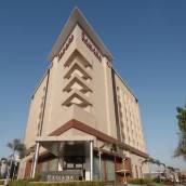 古爾岡中央華美達酒店