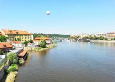 伏尔塔瓦河-布拉格-doris圈圈