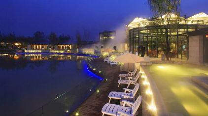 湖畔泡池夜景2