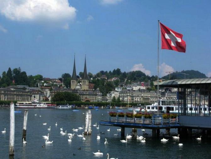 瑞士总人口_瑞士全民发红包 看上去很美