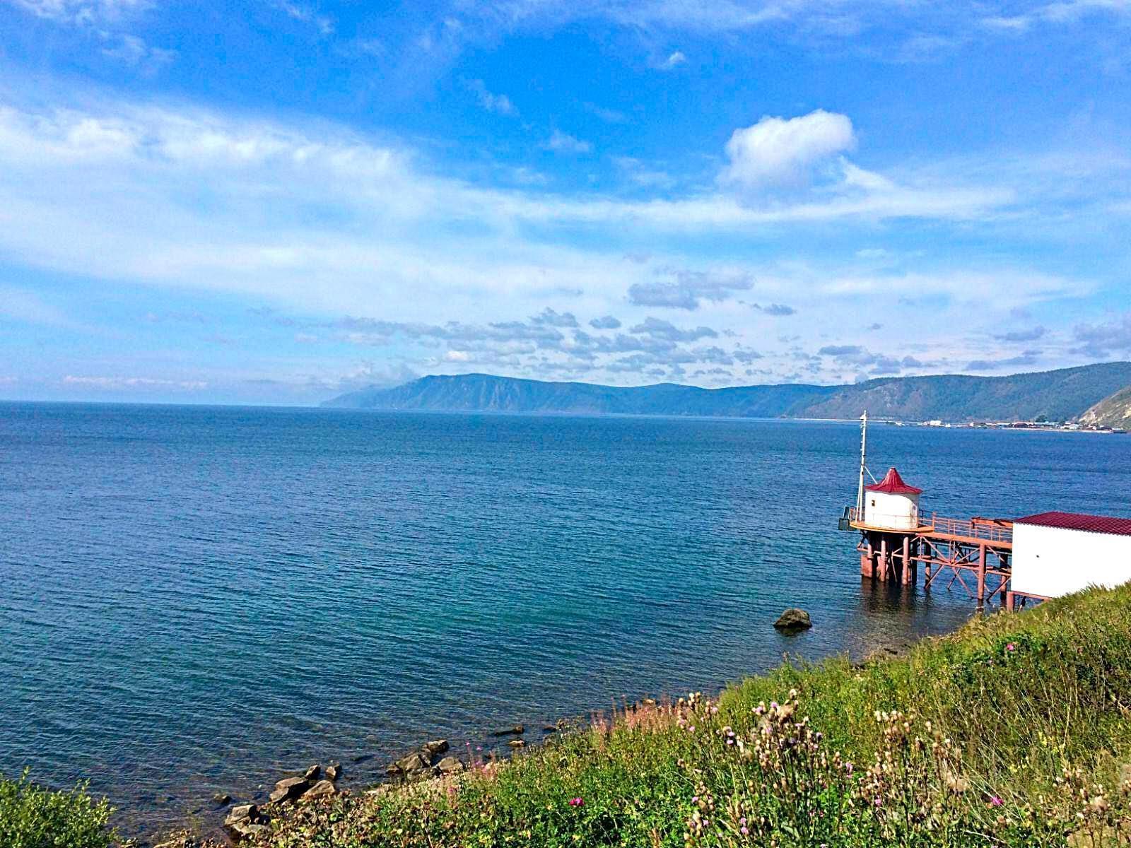 我們流連忘返在貝加爾湖畔圖片