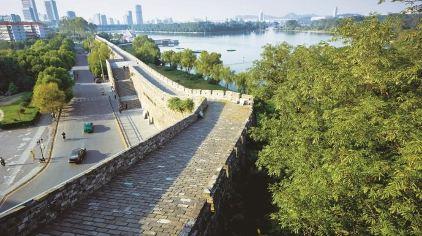 俯瞰台城段城墙