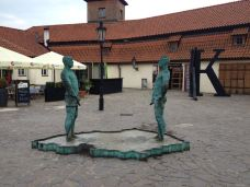 卡夫卡博物馆-布拉格-插了花的牛粪