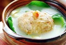 镇江美食图片-清炖蟹肉狮子头
