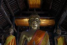 维苏那拉特寺-琅勃拉邦-山水人生
