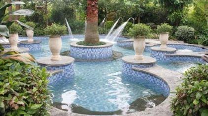 特色游玩项目2皇家水疗池